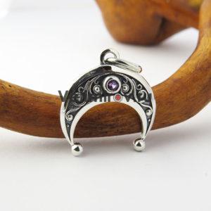 Оберег Лунница из серебра с аметистом маленькая
