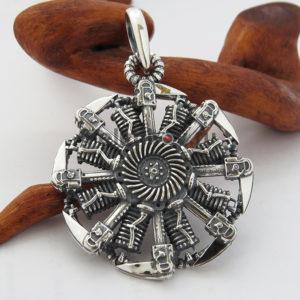 Оберег Коловрат из серебра в стиле стимпанк